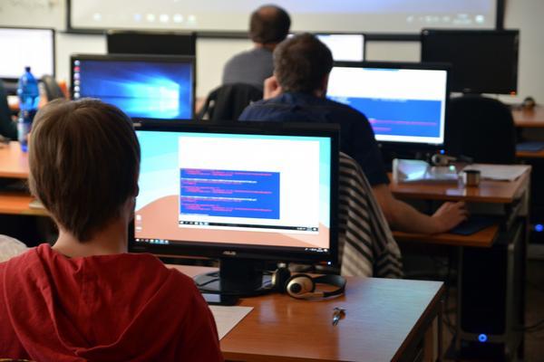 Rekvalifikační kurzu IT, Centrum celoživotního vzdělávání při VŠB - Technická univerzita Ostrava